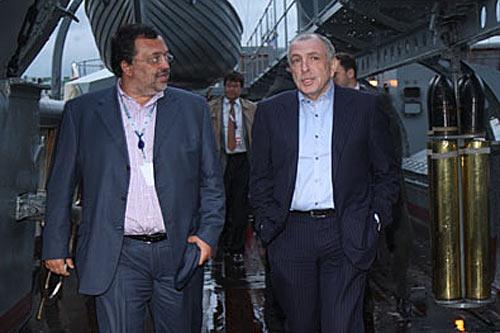 Бизнесмен Андрей Гнатюк и полпред Илья Клебанов на кризис-парти