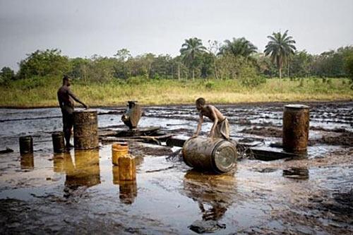 Подготовка к отправке баррелей с нефтью