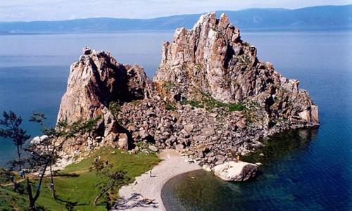 Утес Ольхон на Байкале. 2003 год.