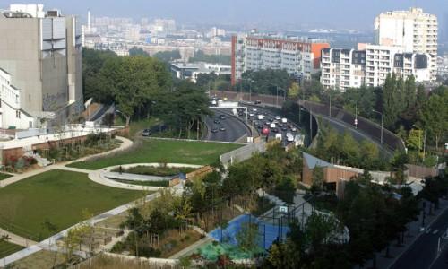 Парк Jardin Serge Gainsbourg на окраине Парижа.